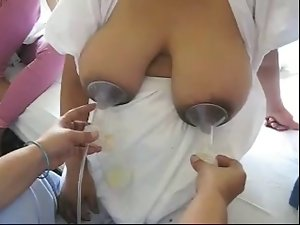 Pinay Filipina getting her huge breast milked