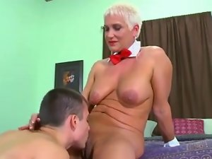 So comely stepmom with saggy hooters & pump tasty pussy