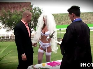 Hotgold Anxious Alluring Bride fucked at the wedding