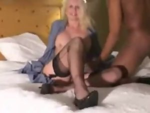 Amateur - Blondie Slutty wife BBC MMF Triple Creampie