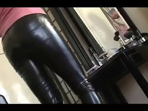 mum in leather pants