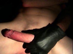 SHORT GLOVES CUMSHOT