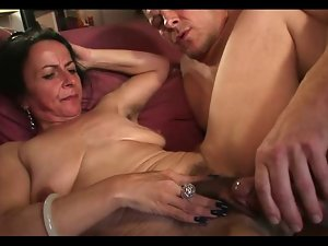 Saggy Shaggy Experienced Bitch Nina Gets Plowed