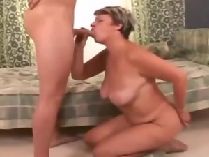 Heavy mother with saggy hooters suck penis with enjoyment