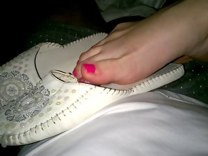 cum in her smelly flat shoes footjob
