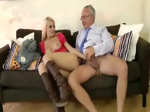 Amateur alluring light-haired gets screwed