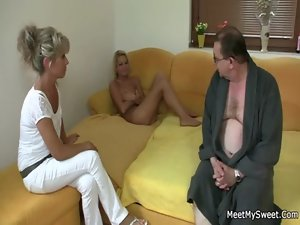 She rides her BF dad&#039_s phallus