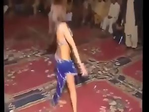 Pakistani hijab Attractive dance on henna day