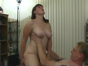 Great Cute bbw dark haired pleases herself and her man