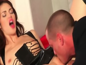 Faith Leon eaten out before stroking dick