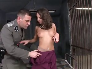 Foxy Di Anally Fuct By Guard In Jail Cell 420