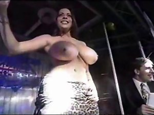 Linsey Dawn Mckenzie - Fresh T-Shirt Contest Appearance