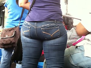 Candid Latina Naughty butt on NYC Bus 2