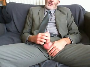Luscious BEARDED DAD AFTER WORK SUIT AND TIE RELIEF ON THE COUCH