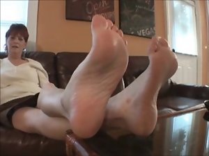 Dominant Dixie Dame exposes her Big Nordic-Western Feet