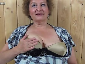 Kinky grandmother hungry for a nice fuck