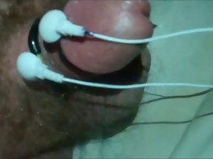 Hands free orgasm with cheap Chinese massager (electro