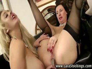 Euro stocking housewives butt toying