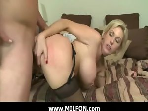 Luscious mummy rides this huge shaft hunter 6