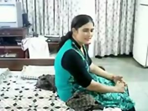 Beauteous matured Punjabi lady shagged by her experienced lover