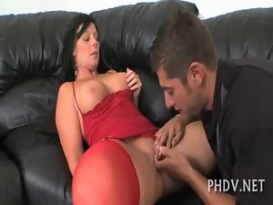 Hussy loves to be banged