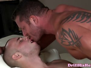 Powerful hunk is sucks to luscious jock