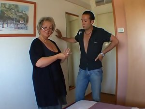 French attractive mature Carole analfucked in stockings