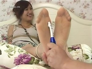 Tickle Chinese lassie Fish 1
