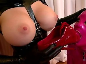 Cute chicks in latex love some foot fetish fun - FUX