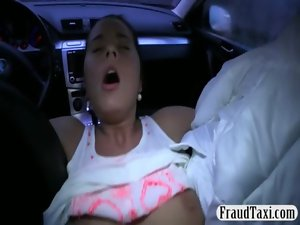 Extremely large tits amateur bombshell crushed with a driver in his taxi