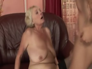 Light-haired GILF amateur drools all over dick