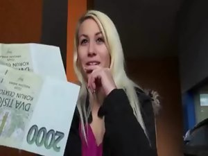 Perfect amateur light-haired Czech nympho Yenna snatch thumped for money