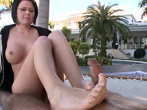 Footfetish episode with alluring chap and smiling peach Loni outdoors